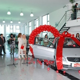 """Grand cafe – automobile fort the participants in prize game """"Open and win!"""""""